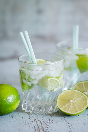 Infused Water「Glasses of infused water with lime and ice cubes」:スマホ壁紙(12)