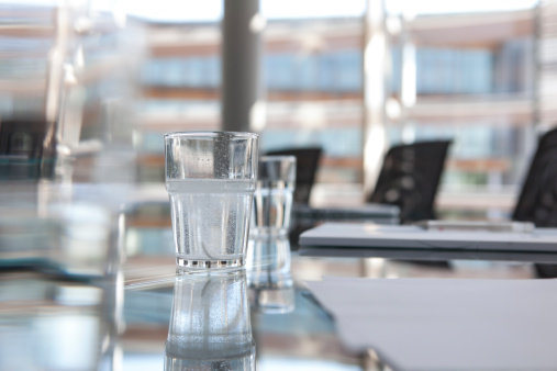 Surface Level「Glasses of water on conference room table」:スマホ壁紙(13)