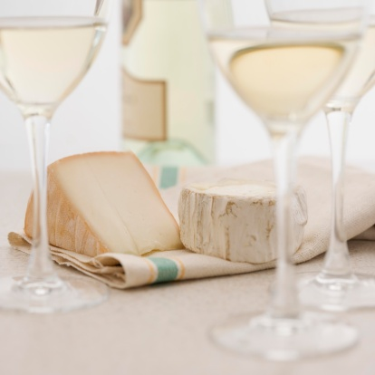 Drinking「Glasses of white wine with cheese」:スマホ壁紙(11)