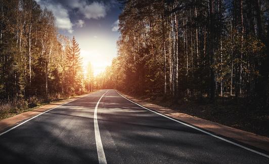 Country Road「The way forward at sunset」:スマホ壁紙(2)