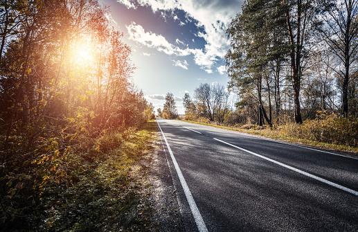 Country Road「The way forward at sunset」:スマホ壁紙(7)