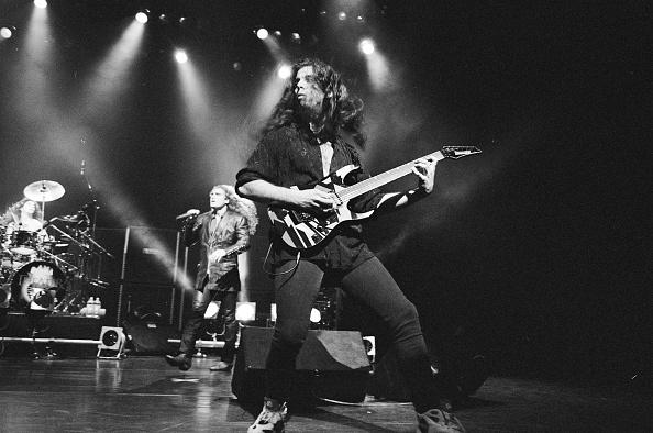 Shinjuku Ward「Dream Theater On Stage 1993」:写真・画像(16)[壁紙.com]