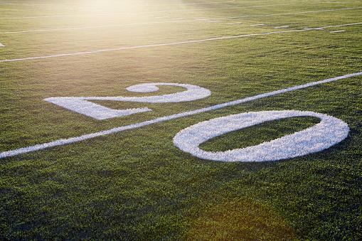 Number「Twenty yard line on green playing field」:スマホ壁紙(0)
