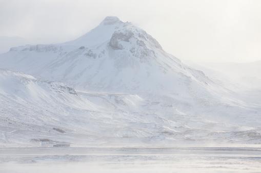Snowdrift「Spin drift on a mountain, Mavahlid in Iceland」:スマホ壁紙(10)
