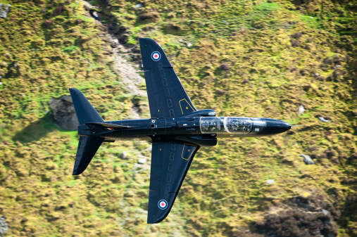 RAF「A Hawk jet trainer aircraft of the Royal Air Force low flying over North Wales.」:スマホ壁紙(17)