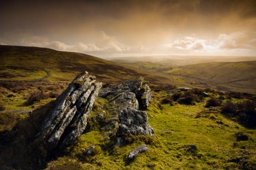 Dramatic Landscape「Hookney Tor, Dartmoor, Devon, England」:スマホ壁紙(16)
