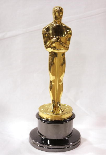 Oscar Statuette「Ocsar Statues Are Made Ahead Of This Year's Academy Awards」:写真・画像(6)[壁紙.com]
