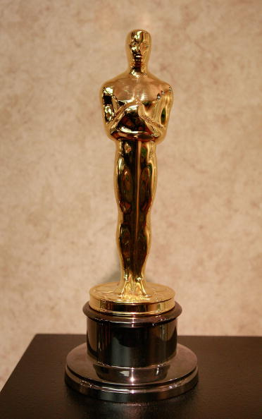 Figurine「Oscar Statuettes Are Manufactured For Academy Awards」:写真・画像(12)[壁紙.com]