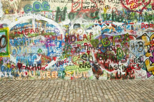 "Ugliness「Graffiti along ""John Lennon Wall"", Mala Strana」:スマホ壁紙(17)"