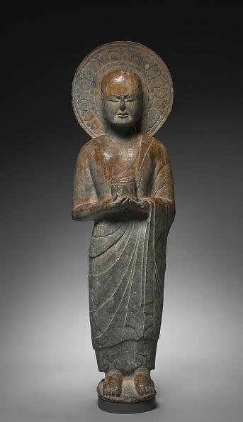 Sculpture「Standing Disciple Mahakasyapa Holding A Cylindrical Reliquary」:写真・画像(16)[壁紙.com]