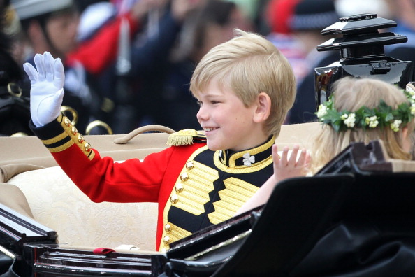 Tom Pettifer「Royal Wedding - Carriage Procession To Buckingham Palace And Departures」:写真・画像(17)[壁紙.com]