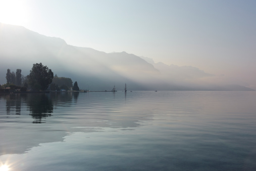 Fog「Lake Annecy, France」:スマホ壁紙(9)