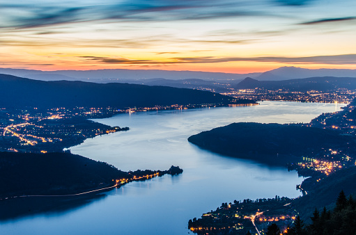 France「Lake Annecy (Lac d'Annecy) in France by Talloires by night」:スマホ壁紙(18)