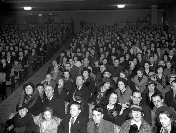 Film Industry「Cinema Audience」:写真・画像(5)[壁紙.com]