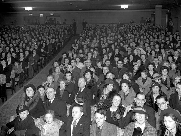 Film Industry「Cinema Audience」:写真・画像(13)[壁紙.com]