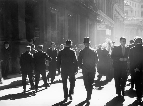 Chaloner Woods「City Pedestrians」:写真・画像(9)[壁紙.com]