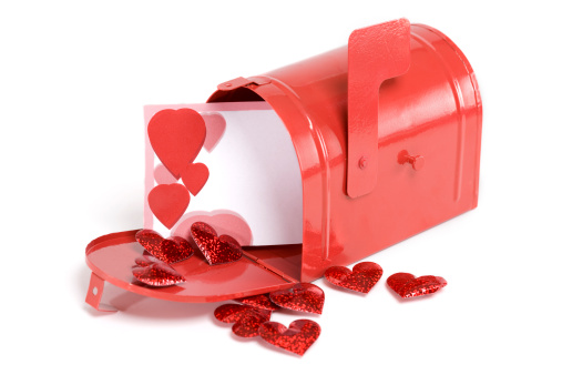 Receiving「Blank Valentines Card in Mailbox with Heart Shaped Confetti, Copyspace」:スマホ壁紙(15)