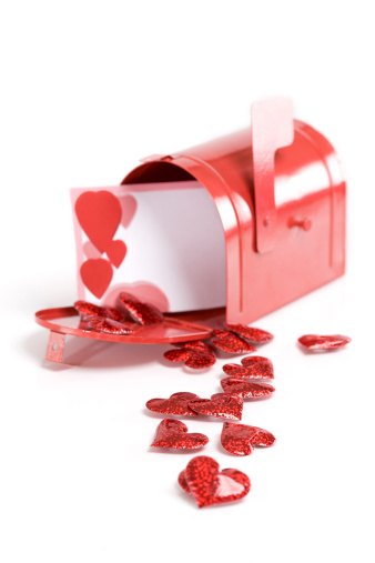 Receiving「Blank Valentines Card in Mailbox with Hearts on White」:スマホ壁紙(0)