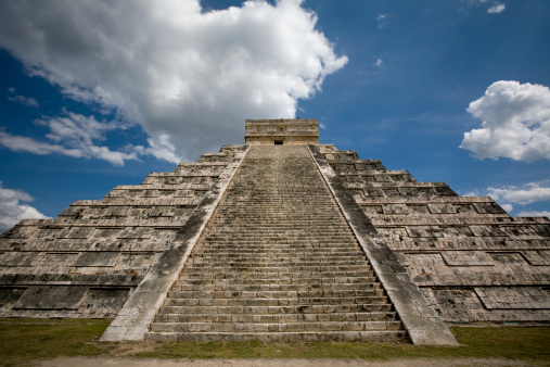 Pyramid Shape「Kukulkan Temple in Chichen Itza Mexico」:スマホ壁紙(8)