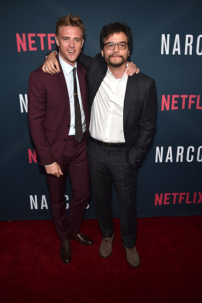 "Two People「Premiere Of Netflix's ""Narcos"" Season 2 - Red Carpet」:写真・画像(5)[壁紙.com]"
