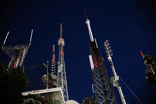 Receiving「Broadcasting antenna」:スマホ壁紙(14)