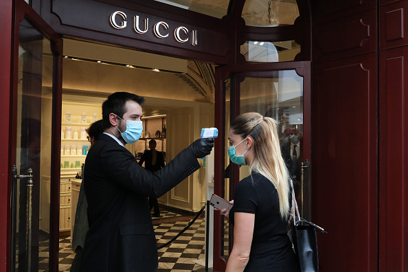 Gucci「Shops And Restaurants Reopen As Italy Further Eases Lockdown On Phase 2」:写真・画像(13)[壁紙.com]