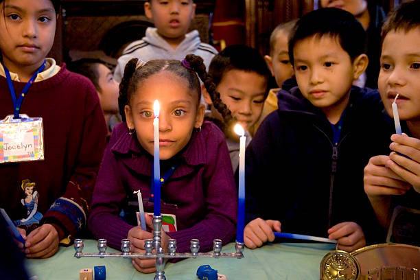 New York Children Celebrate Start Of Hannukah:ニュース(壁紙.com)
