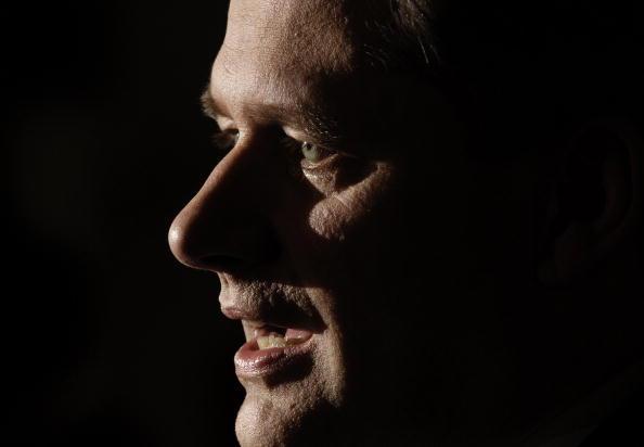 Conference Phone「Stephen Harper Holds First Post-Election News Conference」:写真・画像(14)[壁紙.com]