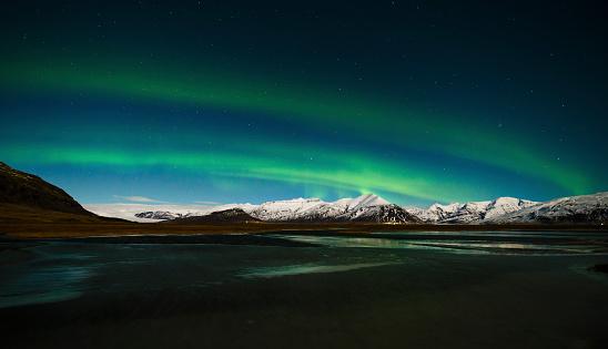 star sky「Iceland, Northen lights at night」:スマホ壁紙(2)