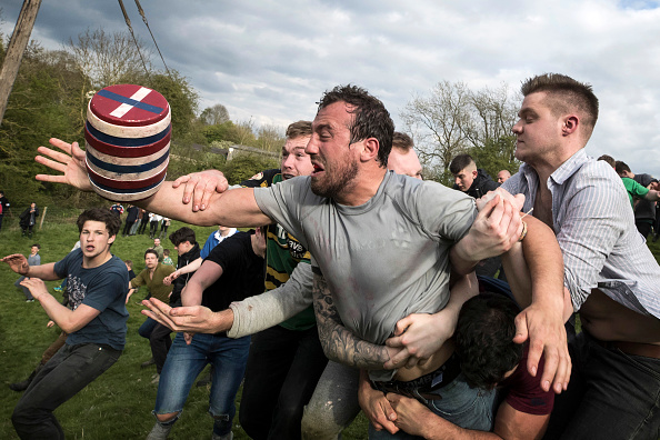 Event「The Ancient Custom Of The Hare Pie Scramble And Bottle Kicking Takes Place In Hallaton」:写真・画像(0)[壁紙.com]
