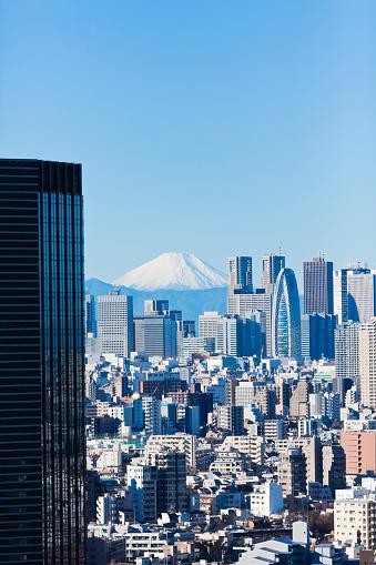 Japan「澄んだ青い空と東京の街並」:スマホ壁紙(1)