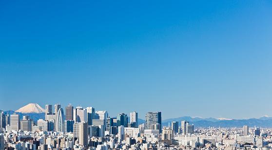Japan「澄んだ青い空と東京の街並」:スマホ壁紙(2)