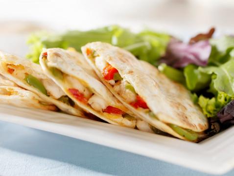 Taco「Chicken Quesadilla with a Garden Salad」:スマホ壁紙(18)