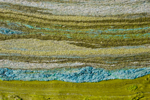 Layered「Green peat-silt with abstract horizontal lines」:スマホ壁紙(1)