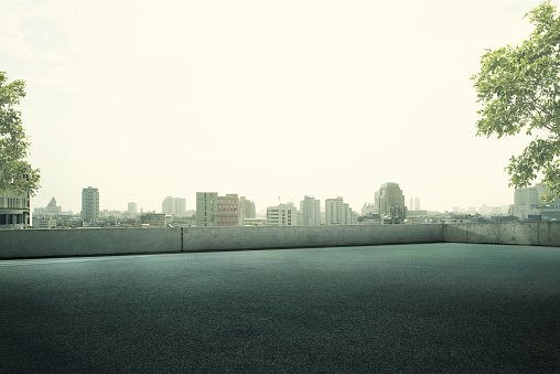 Rooftop「Empty Roof top Parking Lot」:スマホ壁紙(11)