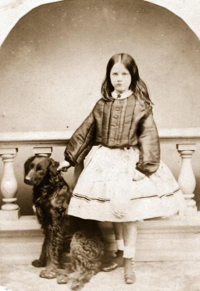 Sepia Toned「Young Girl」:写真・画像(10)[壁紙.com]