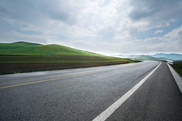 Highway in Inner Mongolia province, China:スマホ壁紙(壁紙.com)