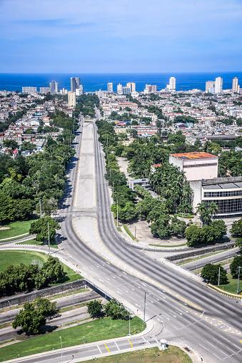 Boulevard「A Highway In Havana, Cuba」:スマホ壁紙(1)