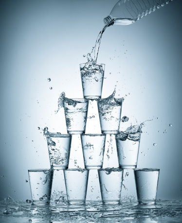 Pyramid Shape「Splashing water glasses」:スマホ壁紙(10)