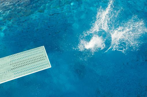 Splashing「Splashing Water and a Diving Board」:スマホ壁紙(15)