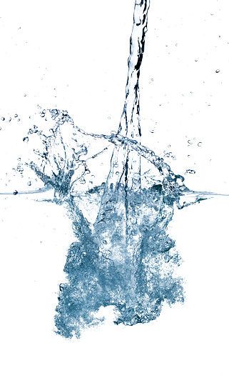 Pouring「Splashing water isolated on white background」:スマホ壁紙(19)