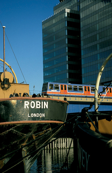 Finance and Economy「The Docklands light rail system. London.」:写真・画像(16)[壁紙.com]