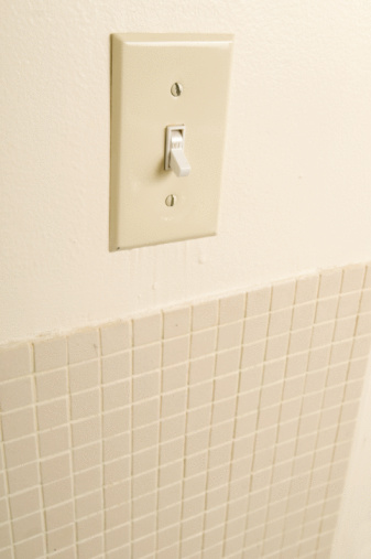 Light Switch「Light switch on bathroom wall」:スマホ壁紙(13)