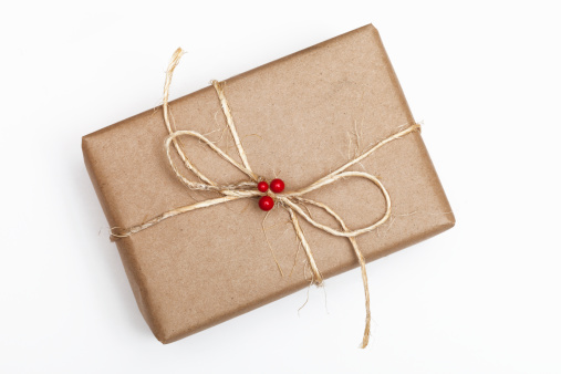 Gift「Brown Paper Package With String and Red Berries」:スマホ壁紙(19)