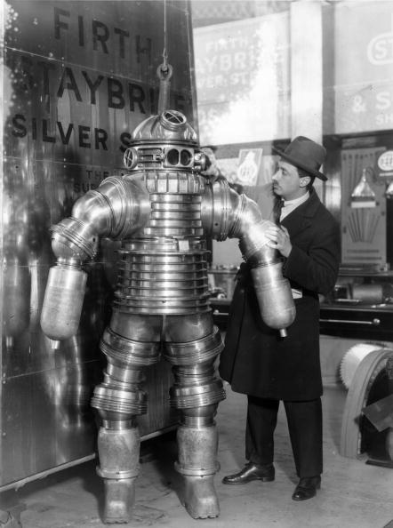 Hulton Archive「Diving Suit」:写真・画像(13)[壁紙.com]