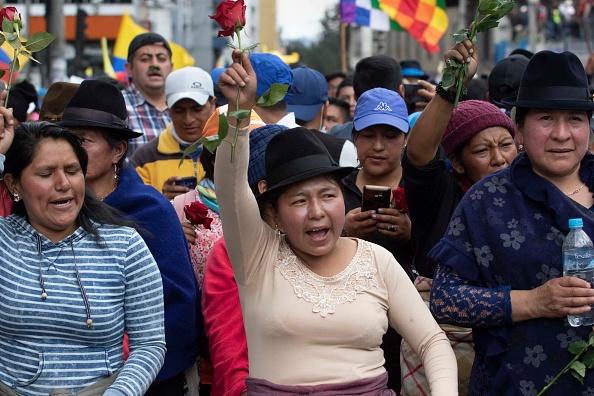 Government Subsidy「Government Crisis in Ecuador」:写真・画像(4)[壁紙.com]