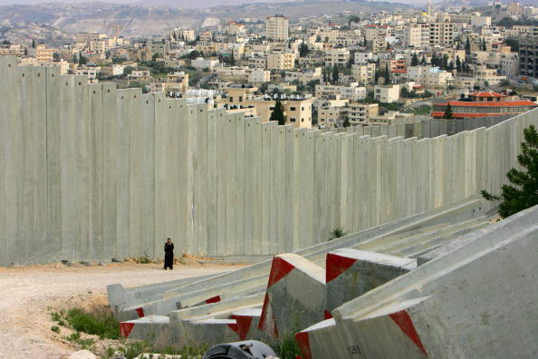 West Bank「Separation Barrier Dominates Lives Of Palestinians」:写真・画像(7)[壁紙.com]