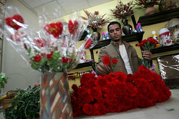 Gaza Strip「Palestinians Prepare To Celebrate Valentine's Day」:写真・画像(15)[壁紙.com]