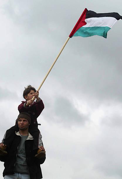 Palestinians Demonstrate Against Israel's Security Fence:ニュース(壁紙.com)