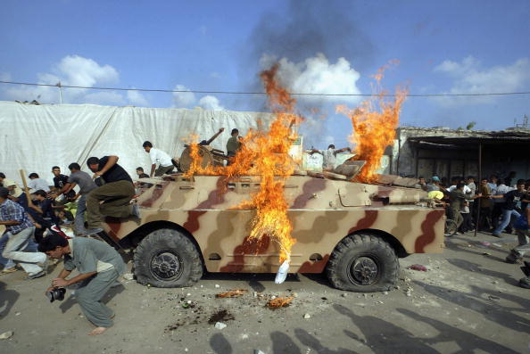 Hamas「Palestinian Police Work To Prevent Militant Rockets Amid Fresh Violence」:写真・画像(8)[壁紙.com]